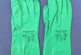 Găng tay cao su Honeywell LA132G chống hóa chất